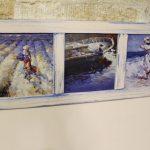 Светлая магнитная доска с живописью в синих цветах