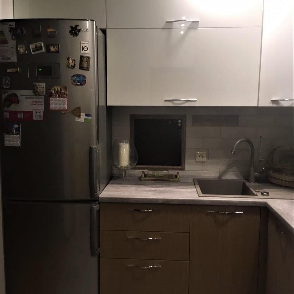 маленькая магнитно-меловая доска на кухне